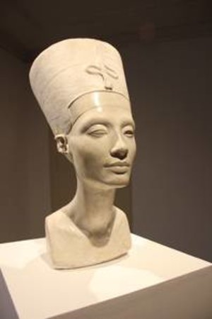 Nora Al-Badri und Jan Nikolai Nelles, The Other Nefertiti,